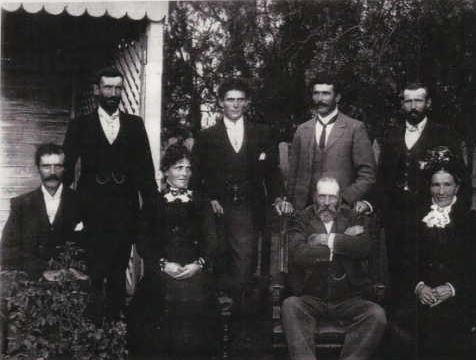 Thomas & Esther Kilpatrick with family (in about 1900). From bacl left: Thomas, Richard, Mat William, George, Elisa Jane, Thomas, Esther.