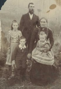 Ellen Smeaton with husband and children. Source: Ancestry.com